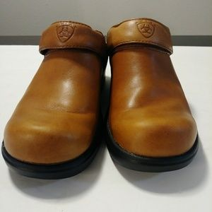 Ariat tan leather clogs